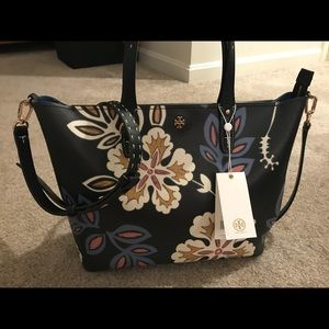 Authentic Tory Burch Kerrington Tote and wallet